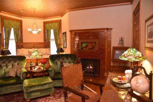 Frank Buhls Room (1)